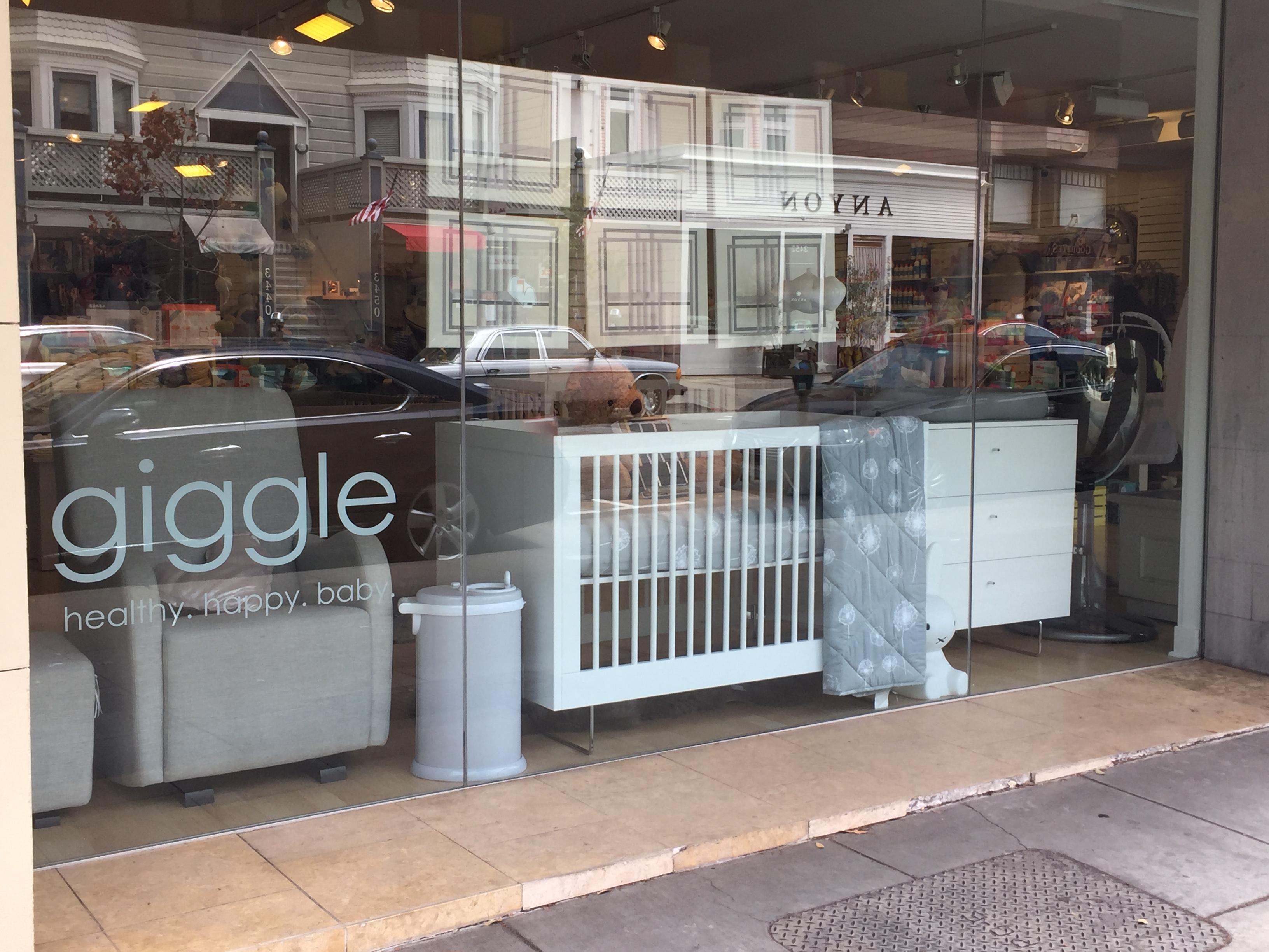 giggle-store-2.jpg